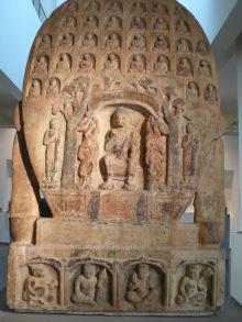 取自新疆庫車、圖木吐拉石壁的一組佛像。