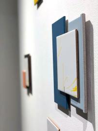 爭論與面孔 Argument and Face Doreen Chan 2018 Tiles, paint, metal window handles