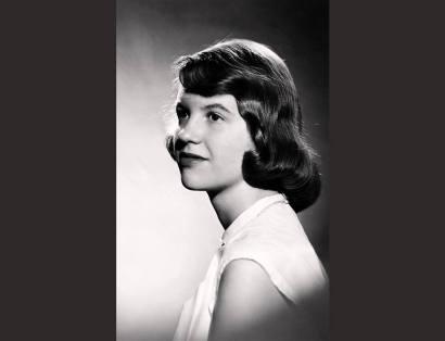 Studio photograph of Sylvia Plath (with brown hair) | Warren Kay Vantine | 1954, Photograph | College Archives, Smith College, Northampton, Massachusetts © Estate of Sylvia Plath