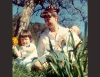 Sylvia Plath with Frieda and Nicholas, Court Green | Siv Arb | April 1962, Photo blow-up | Courtesy Writer Pictures © Writer Pictures Ltd.