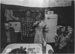Roy DeCarava, Joe and Julia singing, 1953; Courtesy of The Estate of Roy DeCarava and David Zwirner.