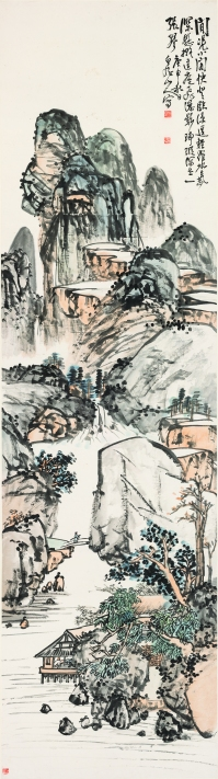 王震,《閒憑小閣》,1920,設色紙本,273 x 75 cm;圖片由梅潔樓藏畫及都爹利會館提供 Wang Zhen, Cascading Falls by the Pavilion, 1920, ink and colour on paper, 273 x 75 cm; Courtesy to Duddell's and M K Lau Collection