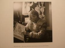 畢卡索喜歡看畫冊,齊白石畫冊他有多本。
