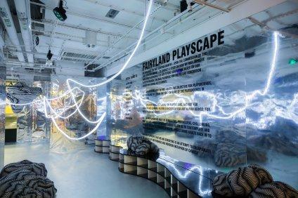 K11 art mall 十周年慶的第三浪呈獻一場扭轉空間的設計月盛典《 FUTURE PLAYSCAPE: The Power of Space》,與大家一起窺探未來的設計與建築美學。
