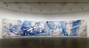 村上隆,《雲中之龍——靛藍》,2010,壓克力 畫布 木板,363 x 1800 cm;圖片由藝術家及高古軒提供 Takashi Murakami, Dragon in Clouds - Indigo Blue, 2010, Acrylic on canvas mounted on board, 363 x 1800 cm; Courtesy to the artist and Gagosian