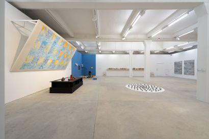 「張三李四收藏展」展覽現場 Installation view of Collections of Tom, Debbie and Harry exhibition