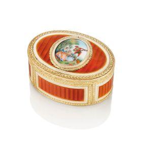 可能由ESAIAS FERNAU & COMPAGNIE製,德國琺瑯變色黃金鼻煙盒,1780,附有標記,印有19K金哈瑙市金標及兩枚法國1838年後限制保證金標;圖片由藝術家及佳士得提供 估價:港元320,000 - 550,000 PROBABLY ESAIAS FERNAU & COMPAGNIE, A GERMAN ENAMELLED VARI-COLOURED GOLD SNUFF-BOX, 1780, MARKED, STRUCK WITH THE HANAU TOWN MARK FOR NINETEEN CARAT GOLD AND TWO FRENCH POST-1838 RESTRICTED WARRANTY MARKS FOR GOLD; Courtesy of the artist and Christie's Estimate: HK$320,000 - 550,000