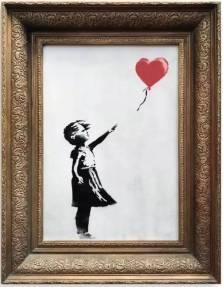 這件《女孩與氣球》原本是Banksy的塗鴉代表作之一,2017年還于三星電視舉辦的一項票選中,榮登「英國人最愛的藝術品」排行榜首。(網上圖片)