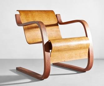 阿爾瓦爾·阿爾托(Alvar Aalto),《罕有扶手椅,型號42》,1932年設計;估價:40,000-60,000港元。